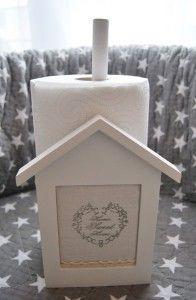 """Drewniany stojak na ręcznik papierowy """"Home Sweet Home"""""""