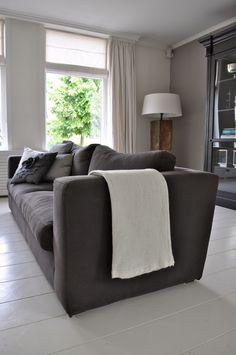 Plaid van STIJLIDEE in huis van stylist Willeke   Fotostyling en foto door STIJLIDEE Interieuradvies en Styling