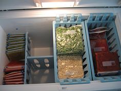 I want a chest freezer so I can organize it like this! I want a chest freezer so I can organize it like this! Deep Freezer Organization, Freezer Storage, Refrigerator Organization, Kitchen Organisation, Organization Station, Household Organization, Laundry Room Organization, Freezer Meals, Organization Hacks