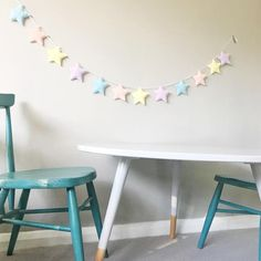 A star garland with 12 stars in the colours of your choice
