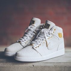 White Pinnacle 1s: made with 24K Gold - retail will be $400 - resale will be $. Via @soleboxberlin Follow @ShewzLife for links to kicks on sale at retail stores . .