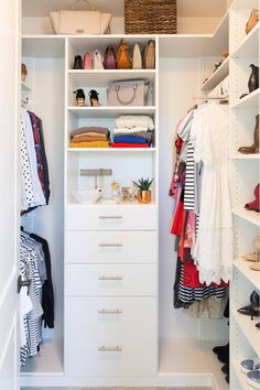 Merrick's Art // Style + Sewing for the Everyday Girl : My Closet Reveal + 6 Ways to Maximize Closet Space Walk In Closet Design, Bedroom Closet Design, Closet Designs, Small Walk In Closet Ideas, Small Master Closet, Maximize Closet Space, How To Organize Your Closet, Diy Wardrobe, Bedroom Wardrobe