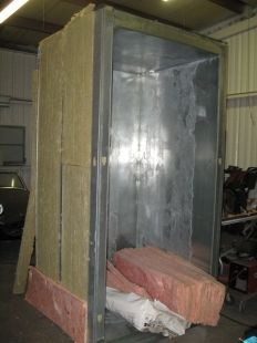 Powder Coating Oven - Homemade powder coating oven constructed from metal studs and galvanized sheetmetal. Insulated with mineral wool and fiberglass. Powder Coating Diy, Powder Coating System, Metal Projects, Welding Projects, Home Projects, Mineral Wool, Power Coating, Garage Tools, Garage Ideas