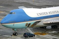 No doubt, this is Air Force One ! What a neat looking airplane. Thanks for coming in BRU Mister President. - Photo taken at Brussels - National (Zaventem) / Melsbroek (BRU / EBBR / EBMB) in Belgium in February, Air Force Ones, Air Force 1, Boeing 747 400, Airline Logo, Jumbo Jet, Commercial Aircraft, Air France, Military Aircraft, Aviation
