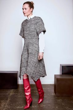 Red boots with cone heels worn with tweedy handkerchief hem dress. Isabel Marant Pre-Fall 2016 Fashion Show Fall Fashion 2016, Fashion Week, Autumn Winter Fashion, High Fashion, Fashion Show, Fashion Outfits, Fashion Trends, Fall Winter, Couture Mode
