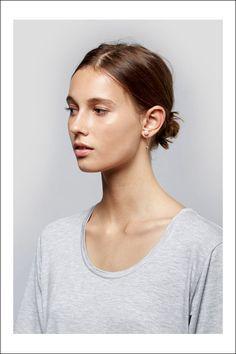 Splurge vs. Steal: The Pearl Bar Earring