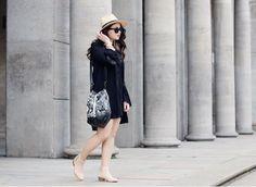 BACK TO THE 70s!!  Lasst Euch von Leni von dem Blog FOR THE STORY inspirieren!!  Zu ihrem 70's Look kombiniert sie die Beuteltasche von MAZE Fashion und sie passt einfach perfekt dazu, findet ihr nicht auch?!  Sieht einfach toll aus! #perlepr #maze_fashion #forthestory #leather #bag #seventies #fashion #fashionblogger #ss2015 #summer #spring #fashionblogger_de #styleblogger #streetstyle #beuteltasche #fashionbloggermany #bloggerfashion