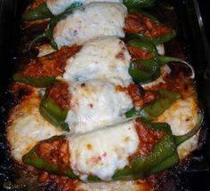 Gefüllte Anaheim Peppers - food to make from stuff in my garden - Peppers Mexican Dishes, Mexican Food Recipes, Dinner Recipes, Mexican Meals, Stuffed Anaheim Peppers, Stuffed Hot Peppers, I Love Food, Good Food, Yummy Food