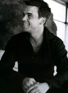 Robbie Williams - one of my favourite photos of this man