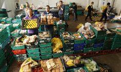 大事なのは、自分で決めること。廃棄食品を提供するイギリスのスーパーマーケットは、モノのやりとりを超えた関係を生み出す