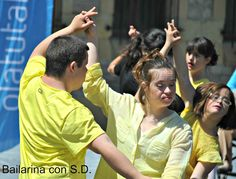 Bailarina con sindrome de down The Way You Are, Couple Photos, Couples, My Love, Down Syndrome, Dancing, Dancing Girls, Pictures, Couple Shots