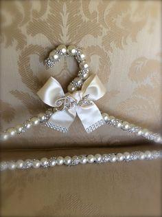 Wedding Gifts bridal hanger wedding dress hanger dress hanger with brooch - Bridal Hangers, Wedding Dress Hanger, Wedding Hangers, Wedding Dresses, Diy Wedding, Wedding Gifts, Dream Wedding, Bridal Accessories, Bridesmaid Gifts