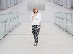 Ein neuer Schwarz-Weiß-Look! Mehr Bilder und alle Infos zum Outfit auf http://www.miss-annie.de/schwarz-weiss-geht-immer/ #ootd #fashionblogger #outfitinspiration #germanblogger
