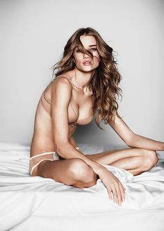 Rosie+Huntington+%28Victoria%27s+Secret+I+love+my+body+campaign+2010+%29+%283%29.jpg 778×1,100 pixels