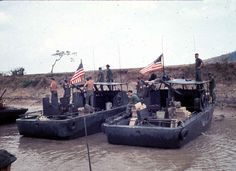 Border Patrol Operations on the Vinh Te Canal extended from the Bassac River to Tinh Bien and the Giang Thanh River to Ha Tien along the Cambodian Border in Vietnam Vietnam History, Vietnam War Photos, Navy Special Forces, Brown Water Navy, North Vietnam, War Photography, United States Navy, American War, Vietnam Veterans