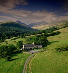 Brecon Beacons Cottages, Crofftau by Visit Wales, via Flickr www.breconcottages.com