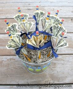Money Bouquet Discover The Enchanting Rose: Money Bouquets Birthday Money Gifts, Graduation Gifts, Money Origami, Origami Art, Dollar Origami, Craft Gifts, Diy Gifts, Creative Money Gifts, Money Gifting