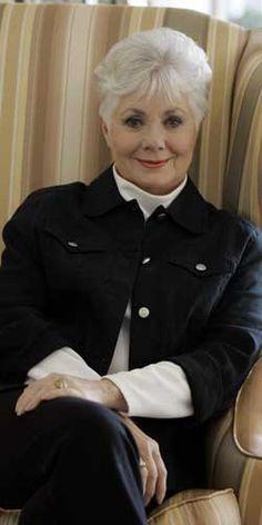 Singer Shirley Jones lists Encino home for $2.1 million