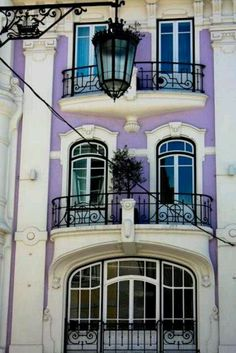 Art Nouveau facade in Lisbon, Portugal Beautiful Buildings, Beautiful Places, Belle Villa, Spain And Portugal, Portugal Travel, Algarve, Oh The Places You'll Go, Porches, Windows