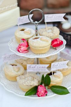 mini pies http://www.weddingchicks.com/2013/10/24/pastel-wedding-inspiration/