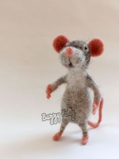 needle felt mouse sculpture by Gemma Bee