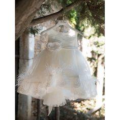 Χειμερινό βαπτιστικό φόρεμα Dolce Bambini σε μοντέρνο σχέδιο και διακόσμηση, Βαπτιστικά ρούχα κορίτσι Χειμωνιάτικα, Χειμερινό φορεματάκι βάπτισης τιμές-προσφορά, Επώνυμο βαπτιστικό φόρεμα οικονομικό Girls Dresses, Flower Girl Dresses, Victorian, Wedding Dresses, Fashion, Dresses Of Girls, Bride Dresses, Moda, Bridal Gowns