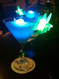 Tinkerbell cocktail in Disneyland Paris.