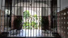 Casa con patio en el barrio de San Basilio