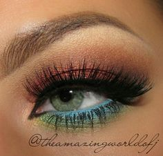 Love the two tone eyeshadow