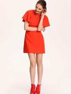 Sukienka damska Top Secret z kolekcji wiosna-lato 2016.<br><br>Niezwykle modna sukienka mini w hiszpańskim stylu o trapezowym kroju