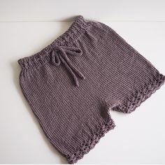 #jenteshorts strikket ut fra eget hode ☺️ #sandnesgarn #tynnmerino