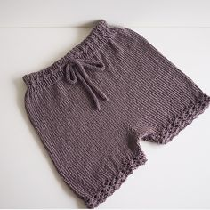 #jenteshorts strikket ut fra eget hode ☺️ #sandnesgarn #tynnmerino Knitted Baby, Baby Knitting, Baby Pants, Boy Outfits, Rompers, Pullover, Shorts, Instagram Posts, Sweaters