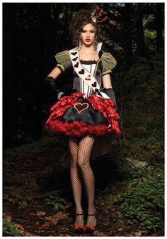 Deluxe Royal Red Queen Costume. I want to go to a halloween party and wear this! LOL
