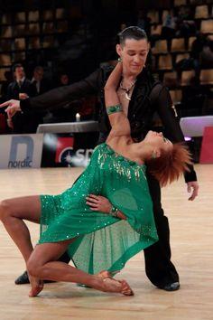 Timur Imametdinov & Nina Bezzubova, green latin dress =)