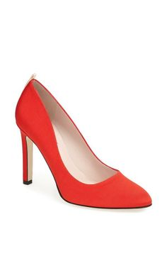 The most perfect red pump.