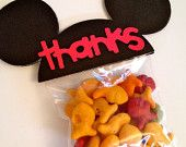 Articoli simili a Set of 10 - Mickey Mouse Inspired Birthday Party Favor Ears - Thanks RED su Etsy