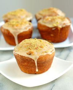 Apricot & Pistachio Buns #Breadbakers - Baking Sense
