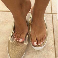 @renatinhafeet #feet #fetish #pies #fetiche #venezuela #brasil #colombia #nails #tatto #feets #feetlover #feetfetishnation #feetfans #feetfashion #tattofeet #feti #fetishphotography #feetporn #photooftheday #pezinhos #pezinhosdeprincesa #prettynails #prettyfeet #teamfeet #instafeet #pezinhosfemininos #teamfeet #pes #peslindos #sexyfeet