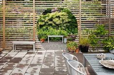 Garden divider with circular cut out