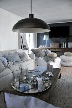 Interieurideeën | mooie woonkamer met gave lamp Door welkewonen91