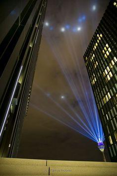 """""""Rheinkomet"""" - an incredible lightshow on top of the 240m high """"Rheinturm"""" in Düsseldorf, Germany."""