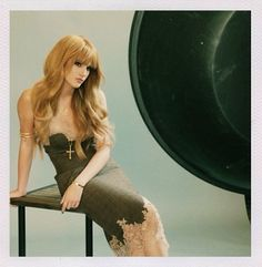 Bella Thorne I love you bella thorne <3.<3