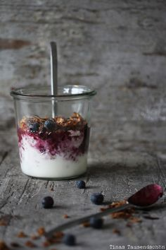Blueberry Granola Cup