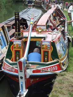 Linslade Canal Festival on the Grand Union Canal Barge Boat, Canal Barge, Canal Boat, Boat Drawing, Steam Boats, Narrow Boat, Boat Projects, Boat Interior, Boater