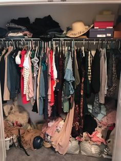 A Mix of Min provides tips on optimizing closet space with The Container Store and their customer Elfa closets. Elfa Closet, Closet Space, Container Store Closet, Huge Closet, Door Rack, Shelf Dividers, Velvet Hangers, Closet Accessories, Closet Organization