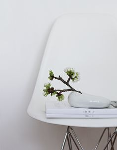 styling for HNST.LY vitra, cereal magazine, spring mood, ceramic by Šárka http://www.hnst.ly/collections/porcelan-od-sarky