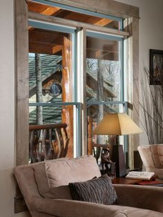 An unexpected mix of colors frames the windows and the cabin in the background. #western