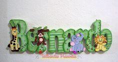 Nome em MDF, pintado a mão. <br>Fazemos nos temas e cores desejados. <br> <br>Pode ser utilizado para decorar quarto, porta de maternidade e festa infantil.
