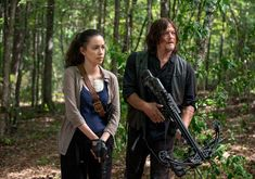 Daryl finds himself in bad company as his group heads to the Hilltop; Maggie makes difficult decisions at the Hilltop; Gabriel's faith becomes tested. THE WALKING DEAD Season 8 Episode 11 Photos Dead or Alive Or Rosita The Walking Dead, The Walking Dead Saison, Walking Dead Season 8, Fear The Walking Dead, Andrew Lincoln, Rick Grimes, Judith Grimes, Daryl Dixon, Norman Reedus