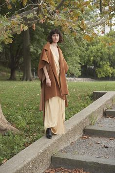 The Jennie Cape in Ochre Brown Dress, Fall Winter Outfits, Aesthetic Clothes, Maternity Photography, Beautiful Images, Autumn Fashion, Women Wear, Vintage Fashion, Fashion Design